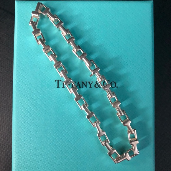 28a407bc87ffc Tiffany T Sterling Silver Narrow Chain Bracelet